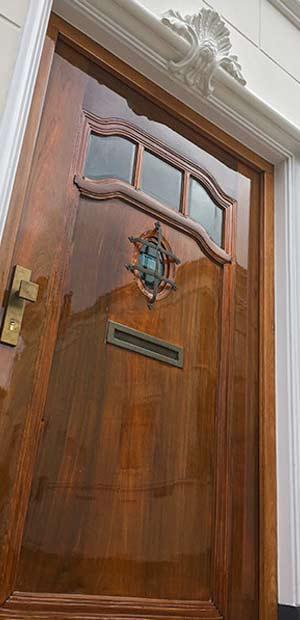 Alexander Weenink - voordeur blanke hoogglans jachtlak